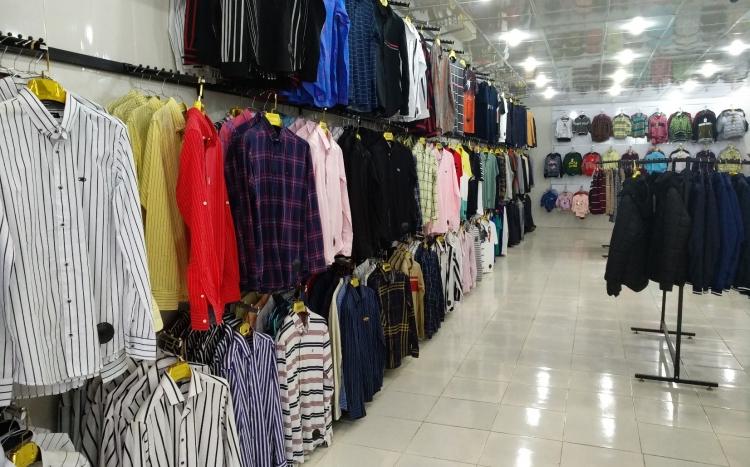 پوشاک مردانه و بچهگانه زیپ