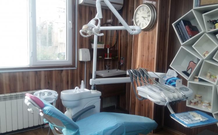 دندانپزشکی دکتر مهدی فرهادی