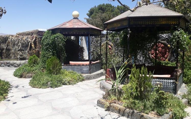 باغ رستوران سنتی آرش