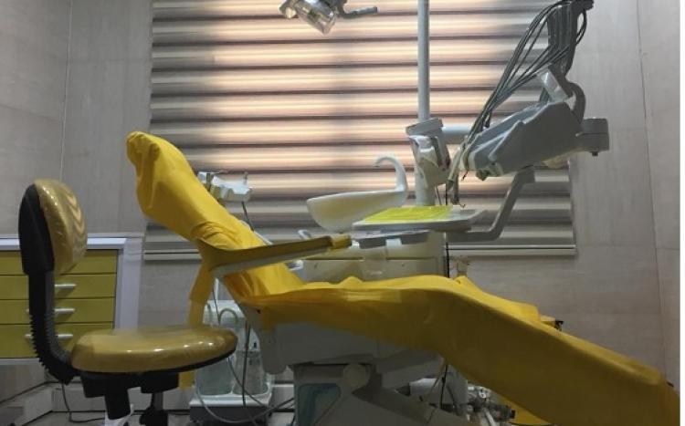 جراح، دندانپزشک دکتر حامد صالحی